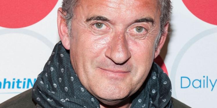 """Christophe Dechavanne ne digère pas l'arrivée de Camille Combal dans """"Qui veut gagner des millions"""""""