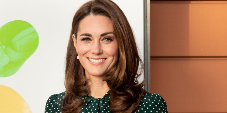 3687bf1b910 Kate Middleton aurait-elle copié le total look vert de Meghan Markle ...