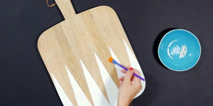 DIY vidéo : Effet graphique sur une planche à découper