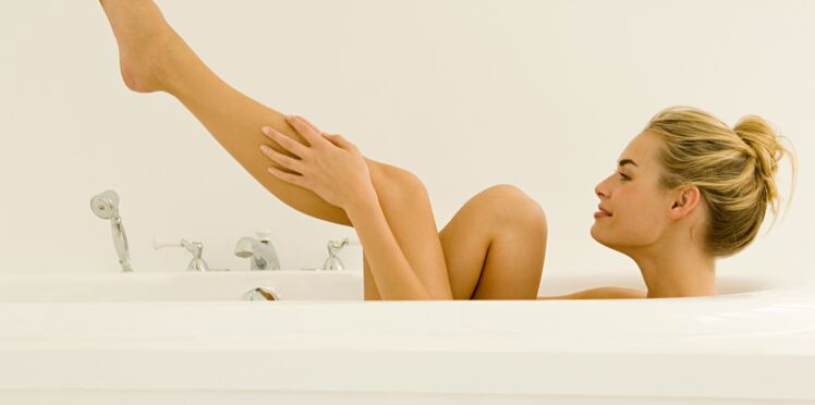 Peau de croco, démangeaisons, mains sèches : 5 astuces pour garder la peau douce pendant l'hiver