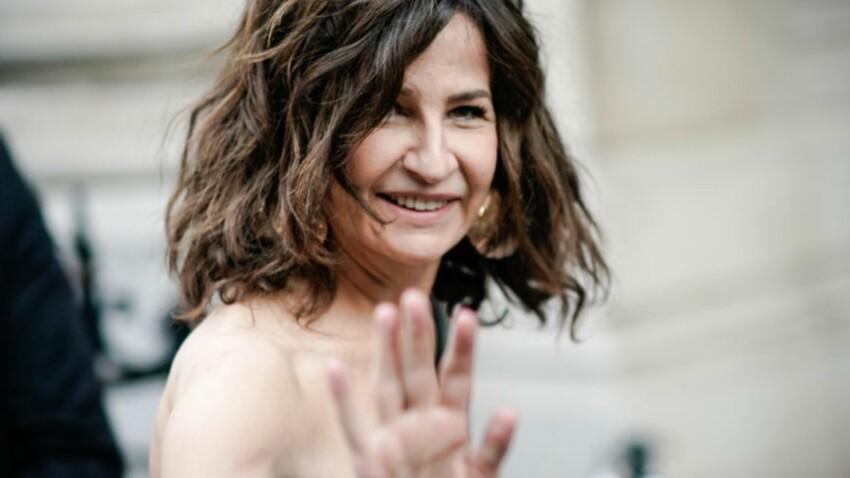 PHOTOS - Valérie Lermercier, aussi chic que cool dans un pantalon à paillettes (et de plus en plus belle)