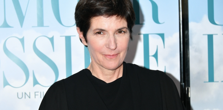 Christine Angot perd son sang froid et s'agace contre Charles Consigny