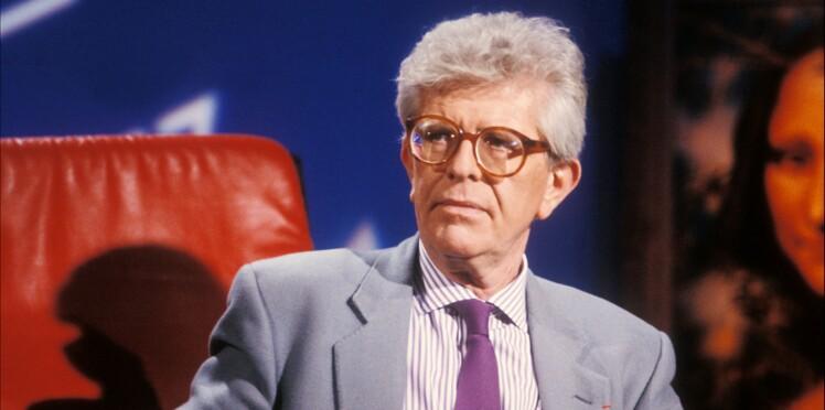 """Mort d'Henry Chapier, premier animateur de l'émission culte """"Le Divan"""""""