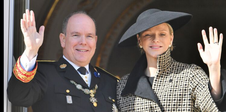 Albert et Charlène de Monaco : leur fils Jacques salue la foule et c'est adorable