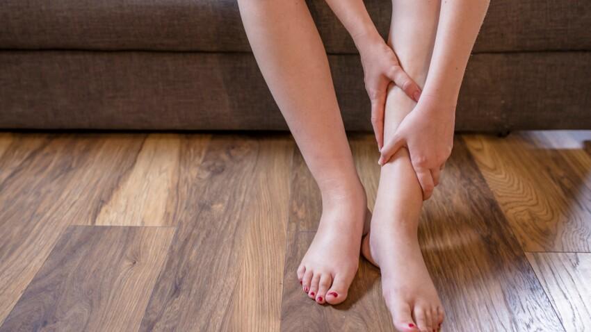 """Lipoedème : une Youtoubeuse parle de sa maladie des """"grosses jambes"""""""