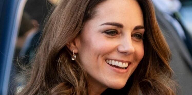 Kate Middleton recycle un vieux manteau encore canon et donne une leçon de style à Meghan Markle !
