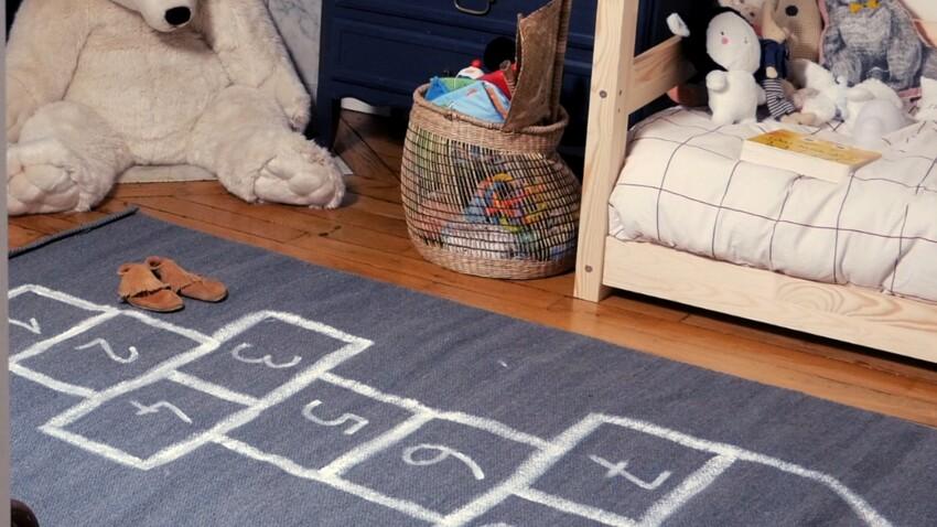 DIY vidéo : peindre une marelle sur un tapis de jeu pour enfant