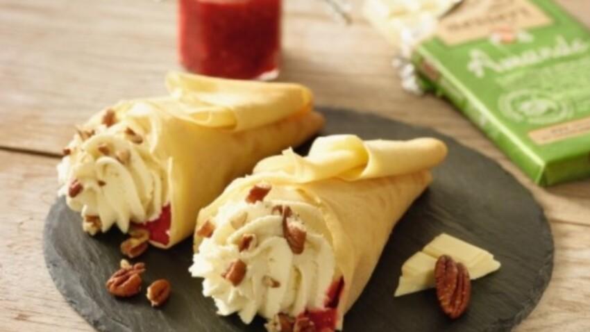 Cornet de crêpes fruits rouges et chocolat amande