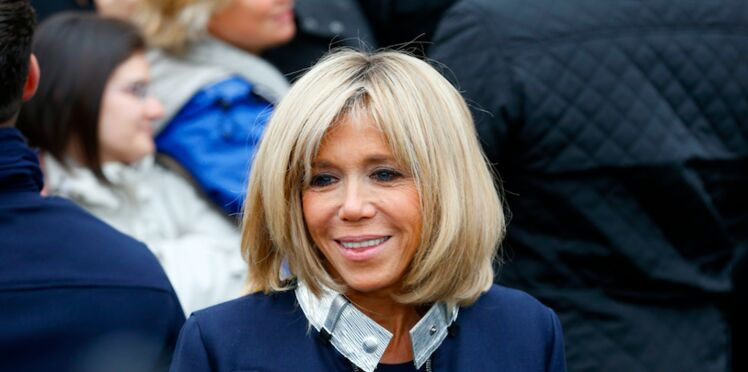 Brigitte Macron attaquée à cause de ses baskets dorées, son entourage s'explique