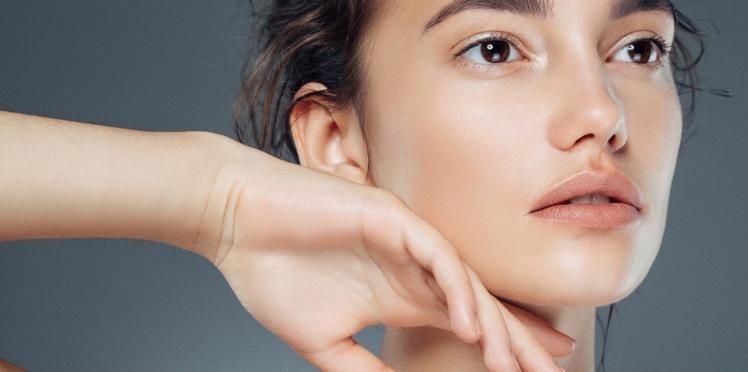 Acide hyaluronique, acide lactique...Quelles molécules adopter pour une jolie peau ?
