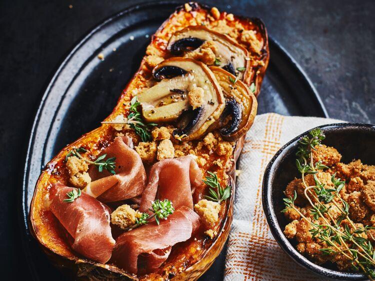 Courge butternut au jambon Serrano, crumble Manchego : découvrez les recettes de cuisine de Femme Actuelle Le MAG