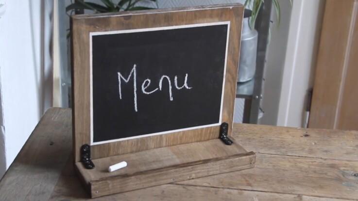 Fabriquer un porte-menu à la peinture ardoise