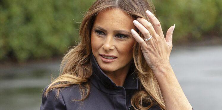 Photos - Melania Trump : quand son look en manteau rose flashy crée – encore – la polémique (Et vous, vous en pensez quoi ?)
