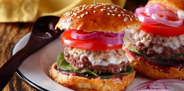 Burger au chèvre et ketchup de betteraves