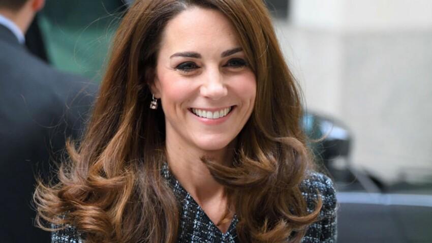 Photos – Kate Middleton, de plus en plus surprenante dans une nouvelle robe de bal !