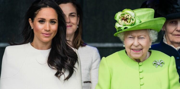 Meghan Markle : la reine Elizabeth II lui ordonne de mettre fin au conflit avec son père