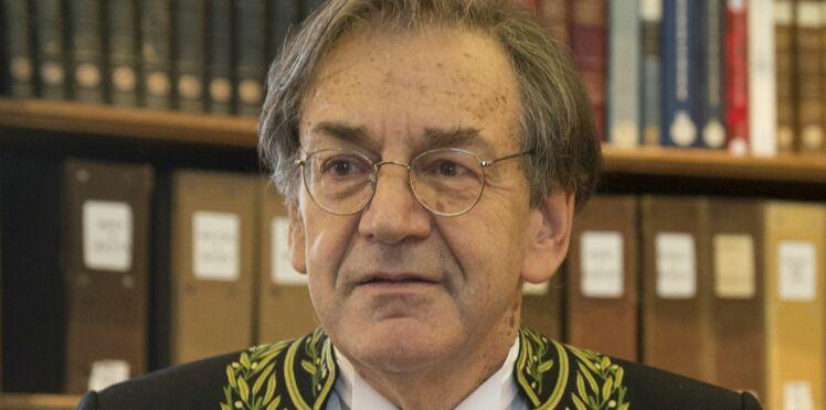 Vidéo - Gilets jaunes : le philosophe Alain Finkielkraut agressé en marge d'une manifestation