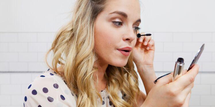 4 mauvaises habitudes beauté qui détruisent vos cils