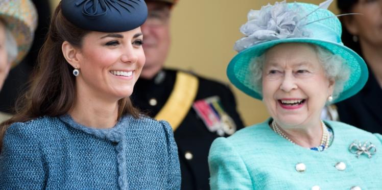 Kate Middleton : comment Élisabeth II a tout fait pour éviter la publication de clichés embarrassants de l'épouse du prince William