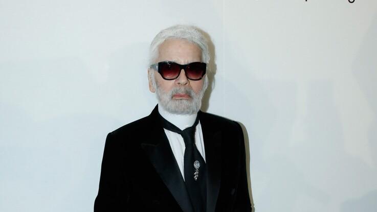 """Mort Karl Lagerfeld : absent de l'enterrement de son père et de sa mère, il ne voulait pas non plus """"finir dans une boîte"""""""