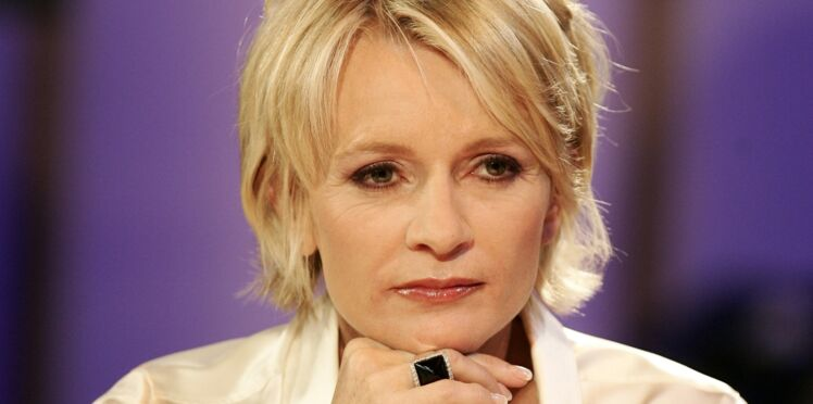 """Sophie Davant (Affaire conclue) rembarre un auditeur """"trop vieux"""" pour elle"""