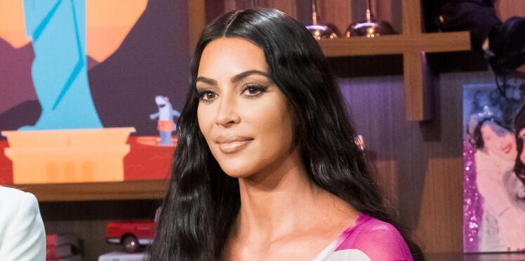 Photos - Kim Kardashian dévoile des clichés de son psoriasis et enflamme le web
