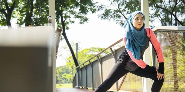Decathlon commercialise un hijab pour les sportives musulmanes et suscite la polémique