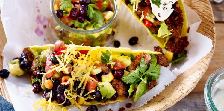 Tacos épicés et salsa aux myrtilles