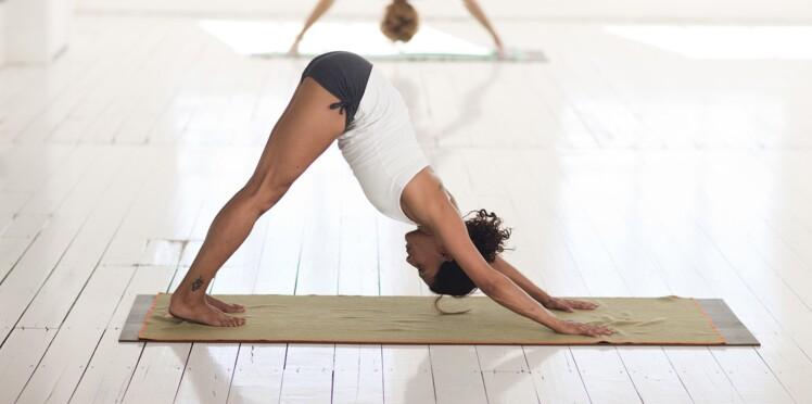Yoga : certaines postures déconseillées quand on a de l'ostéoporose