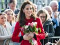 PHOTOS – Kate Middleton change de style avec un manteau inhabituel