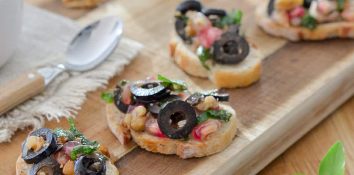Salsa aux olives d'Espagne noires Hojiblanca et grenade