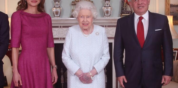 Une photo d'Elisabeth II inquiète les internautes qui craignent pour la santé de la monarque