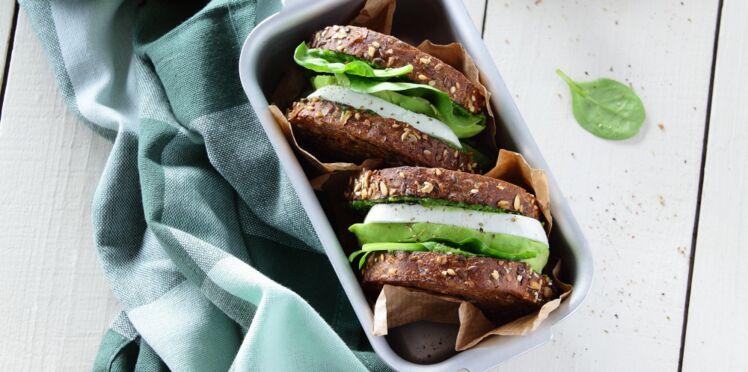 Club sandwich veggie au palet de chèvre frais & pesto