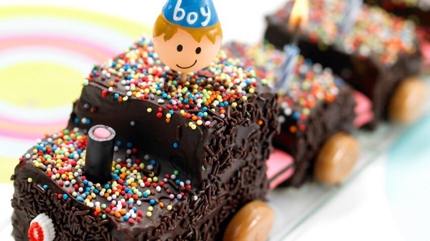 Gâteau d'anniversaire facile pour enfant avec un quatre-quarts : le petit train