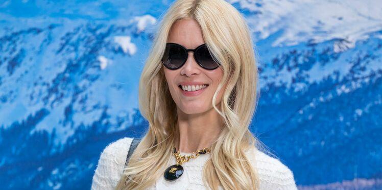 Photos - Claudia Schiffer en jean et cuissardes : à 48 ans, l'ex-mannequin est toujours au top !