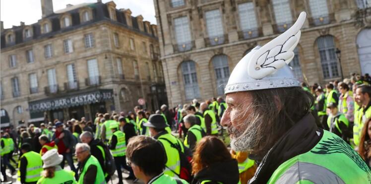 Une journaliste de France 24 protégée par 10 cars de CRS pour avoir tenu des propos anti Gilets Jaunes