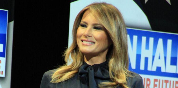 Melania Trump sublime dans son trench en cuir (et devinez quoi ? il fait encore jaser)