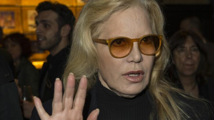 """Sylvie Vartan """"atterrée"""" par les décisions de Laeticia Hallyday : """"Elle fait tout le contraire de ce qu'aurait fait Johnny"""""""