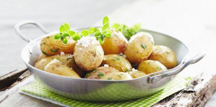 L'astuce géniale pour éplucher les pommes de terre en 2