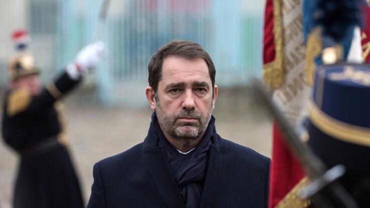 """Christophe Castaner photographié lors d'une soirée arrosée : Édouard Phillipe assure qu'il a """"confiance"""" en son ministre"""