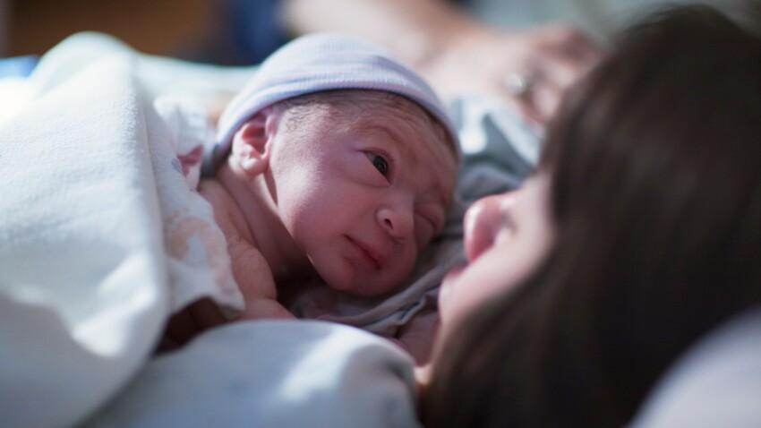 Une maman prend en photo son propre accouchement (les images sont impressionnantes)