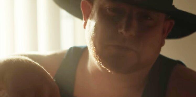 Un chanteur de country de 35 ans meurt sur le tournage de son clip en se tirant dessus
