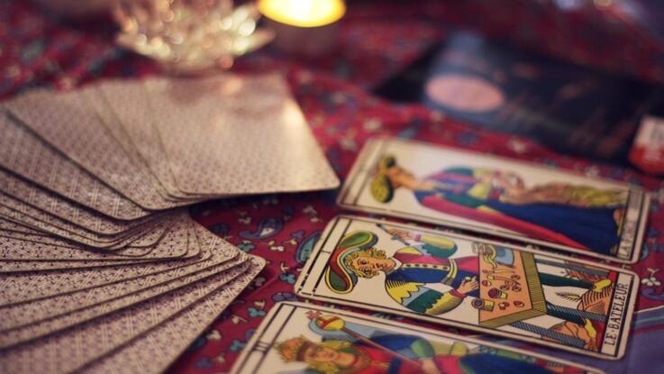 Tarot gratuit : le tirage en croix pour répondre à une question