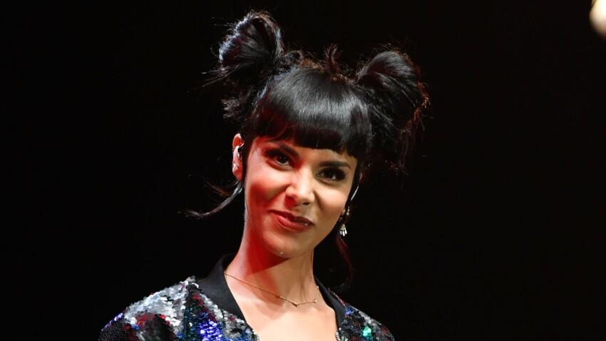 Shy'm provocante et sexy : à moitié dénudée, la chanteuse dévoile aussi un accessoire star de cette saison !