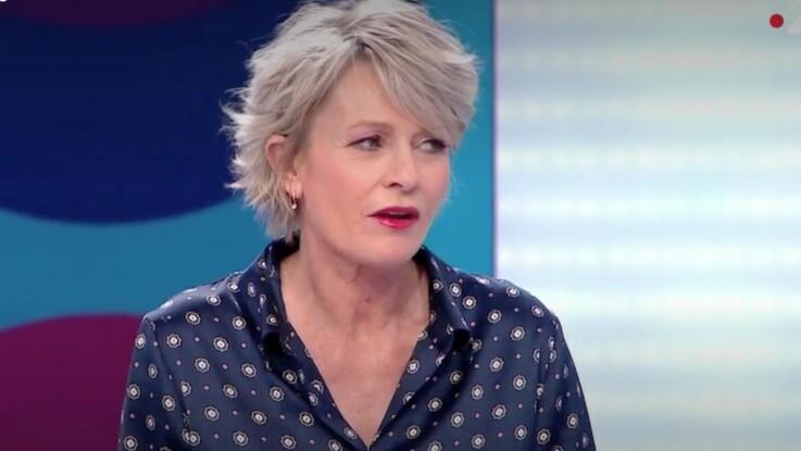 """""""Ne vous énervez pas comme ça !"""" : Sophie Davant (C'est au programme) tente de calmer son chroniqueur"""