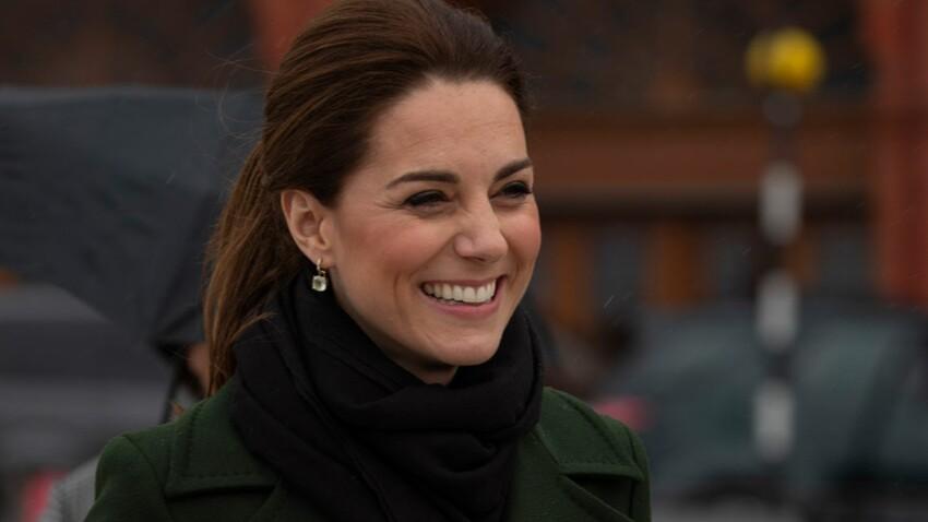 Kate Middleton change de styliste pour renouveler sa garde-robe (et Meghan n'a qu'à bien se tenir) !