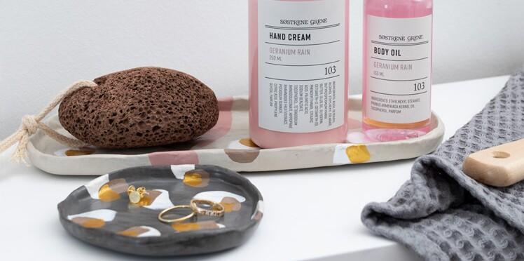 Rangement de salle de bains, des coupelles en argile à faire soi-même