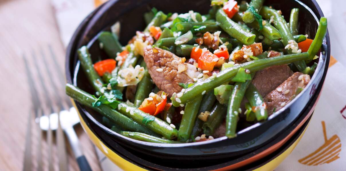Vierge : un wok de haricots verts, agneau et noisettes pour Noël