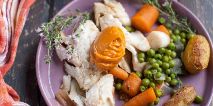 Lieu jaune en court-bouillon printanier, mayo-paprika