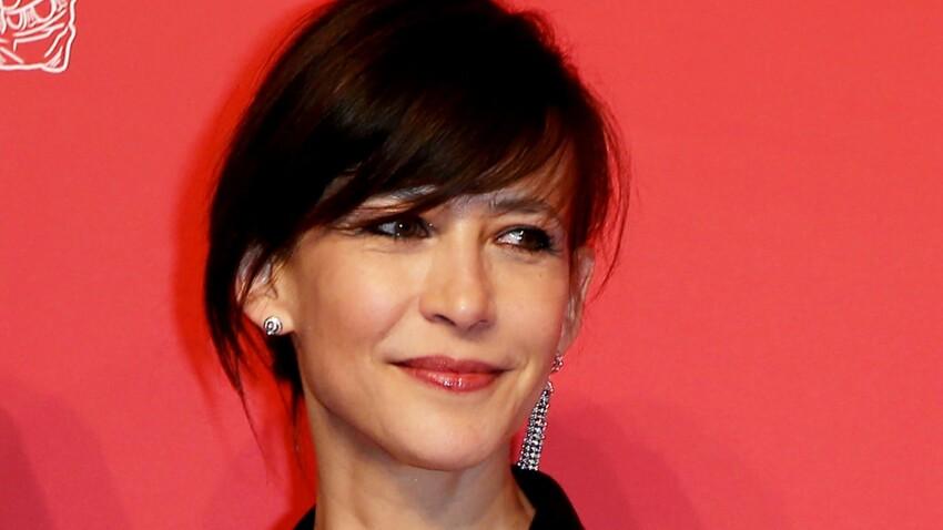 Sophie Marceau divine en robe bustier et fendue : elle fait sensation en Chine !